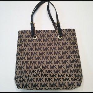Michael Kors Signature Canvas Tote Bag. Black/Tan